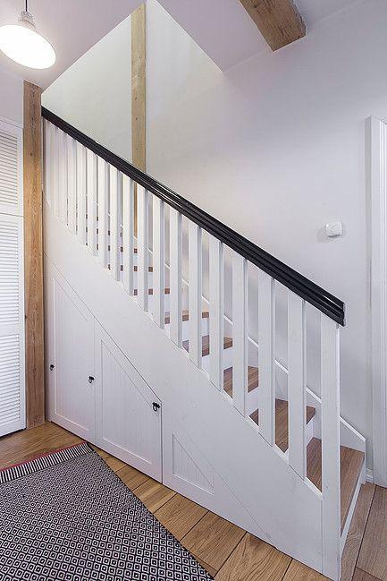 scandinavian design // minimalistic interior // white stairs