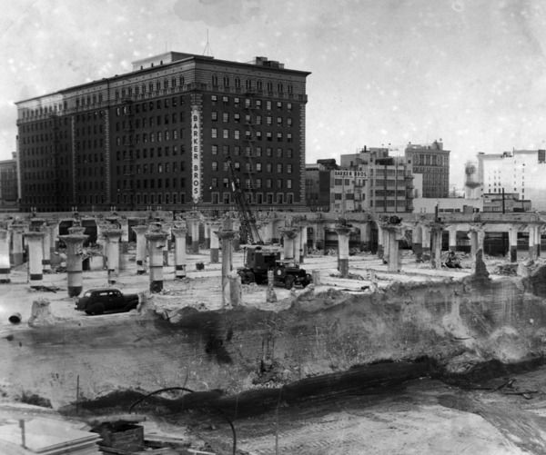 Demolition of the 1920 Arnold Building to make way for the Hotel Statler. Courtesy of the Herald-Examiner Collection, Los Angeles Public Library.