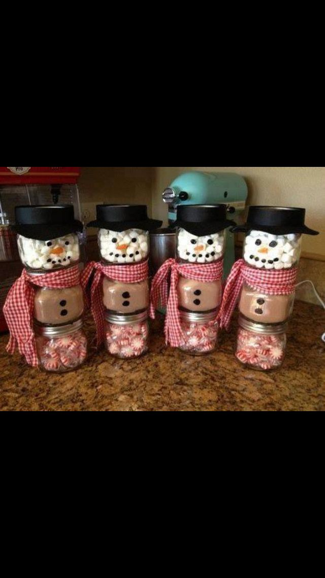 DIY hot chocolate with marshmallows and peppermint