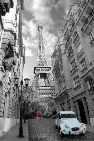 Paris, Menina de vermelho, carro azul Posters na AllPosters.com.br