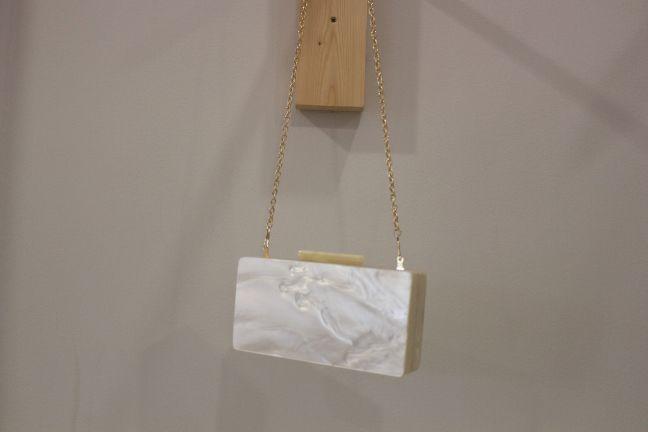 Clutch blanco efecto nacar #boda #invitada #wedding #guest #handbag