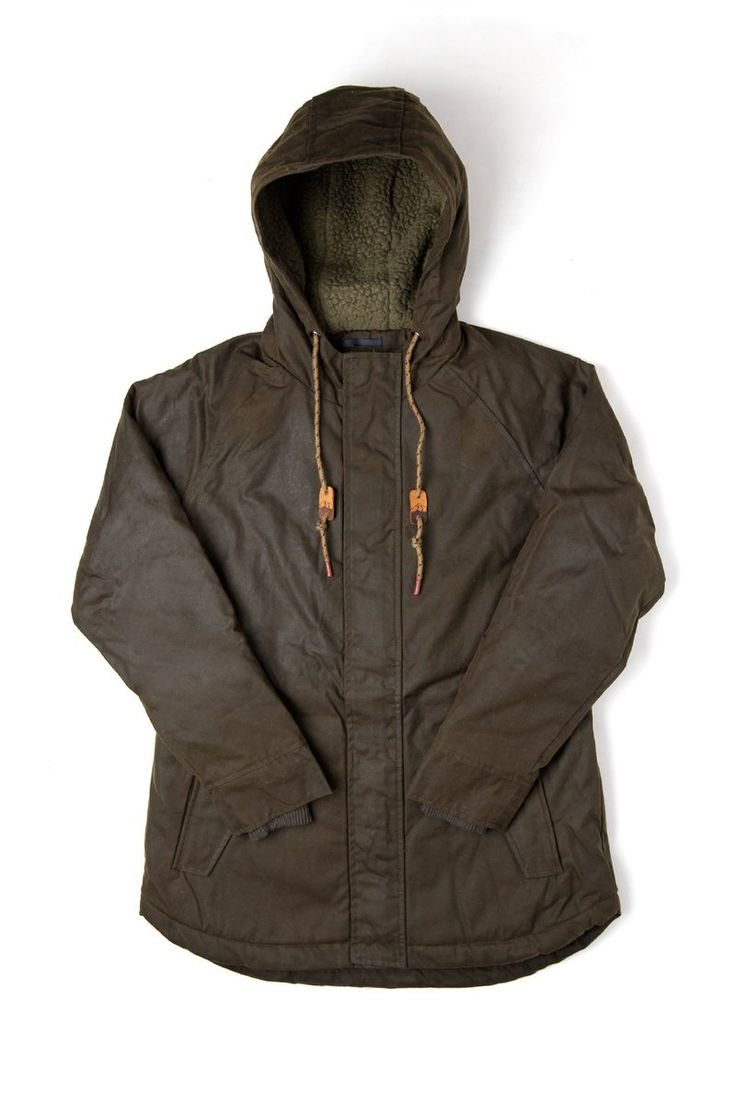 A durable water-resistant British Millerain® waxed cotton shell, lined with Polartec® ThermalPro® fleece. A fully lined hood and covert ribbed cuffs add warmth.