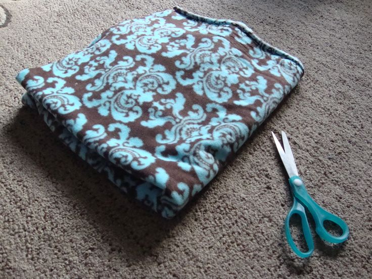 how to make a blanket without a sewing machine