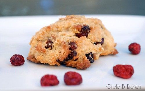 Cranberry oat scones (on Circle B Kitchen): Circles, Oats Scones, Healthy Cooking Recipes, Posts, Scones Biscuits, Rolls Scones, Dishes Recipes, Favorite Recipes, Cranberries Oats Scon