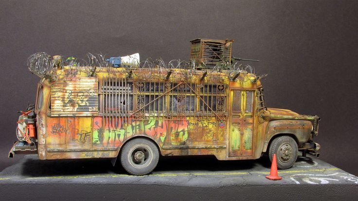 Dioramas and Vignettes: Zombie Bus, photo #2