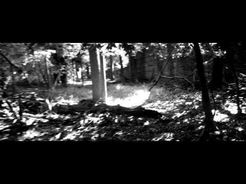 "Premiere: Niia Is Dangerously In Love In BDSM-Inspired ""Body"" Video"