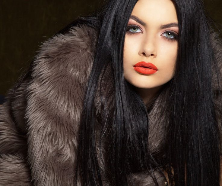 Makeup : Anna Pro-Visage