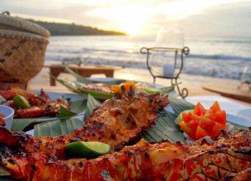 Uluwatu Kecak Dance Tour and Jimbaran Bay Seafood Dinner Package