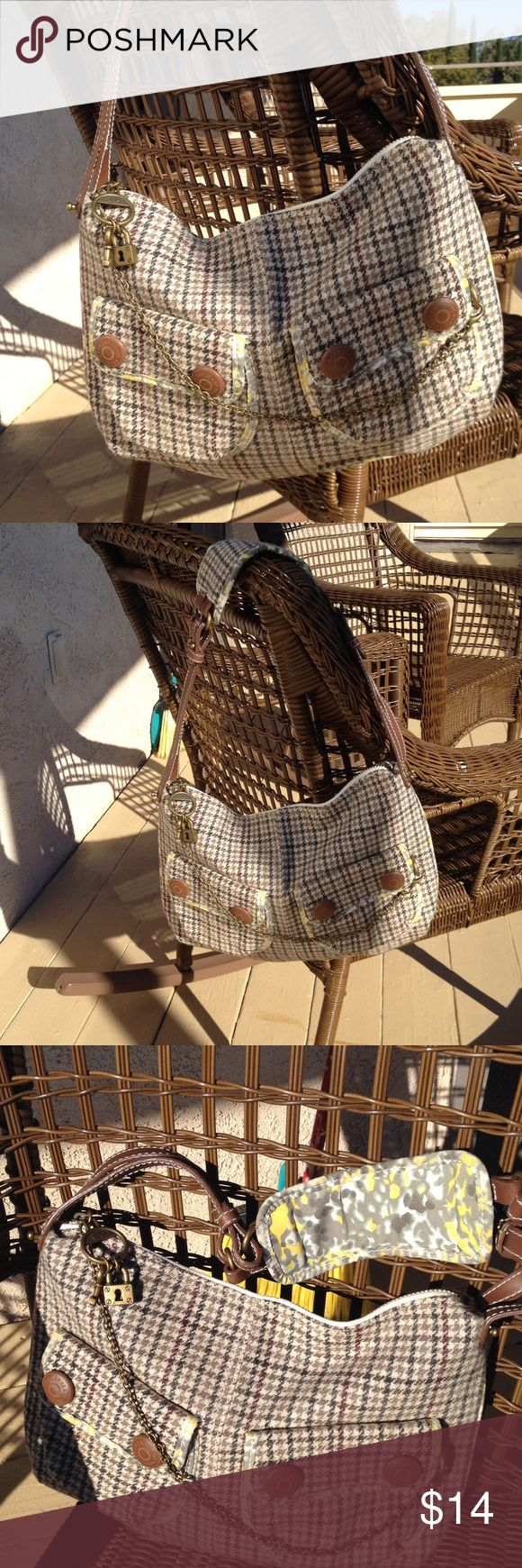GAP Shoulder Bag Nice sized, like new, tartan style plaid nice for fall. GAP Bags Shoulder Bags