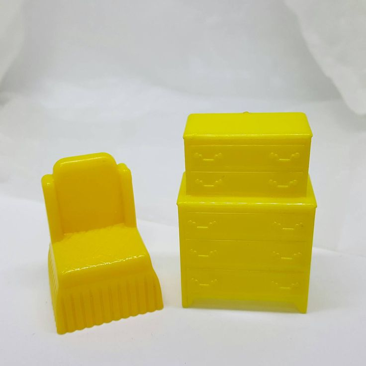 Marx Yellow Bedroom Traditional 2 Piece Dollhouse Toy Furniture Hard Plastic #miniatures #etsyseller