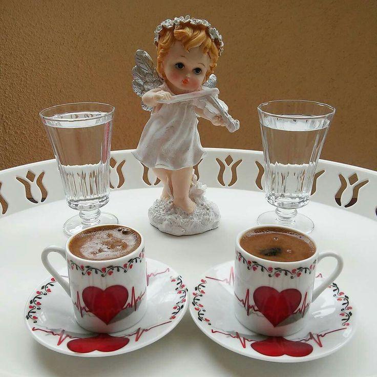 للمساء حديث لا يحلو إلا مع القهوة
