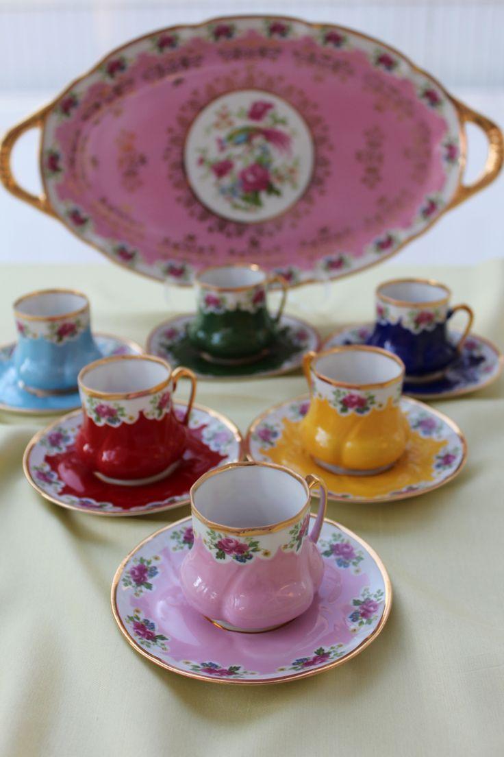7 rengi bulunan kahve fincanlarımızın her rengi Osmanlı Devleti'nde bir dönemi simgeliyor...