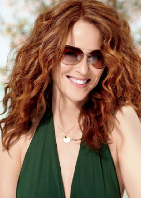Soft copper red / natural curls