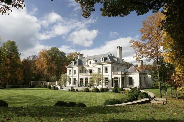 Virginia country house rear lawn and terrace franck for Classic homes va