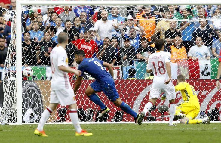 España pierde con Italia en octavos y se queda fuera de la Eurocopa - http://www.vistoenlosperiodicos.com/espana-pierde-con-italia-en-octavos-y-se-queda-fuera-de-la-eurocopa/