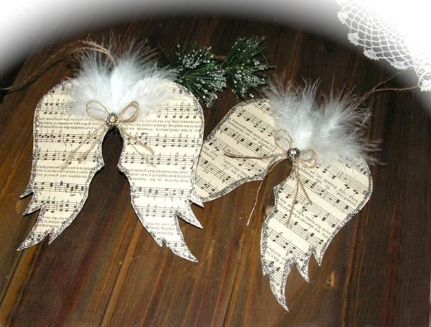 Recyclingpapier für umweltfreundliches Weihnachtshandwerk und handgefertigte Christbaumschmuck