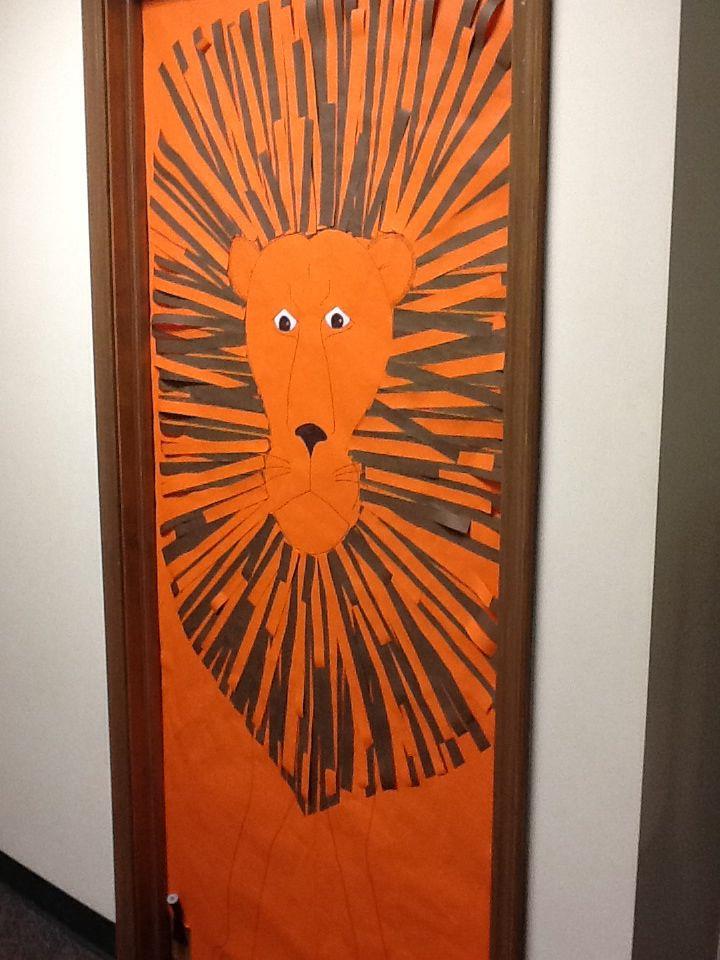 Lion door cover VBS Weird Animals
