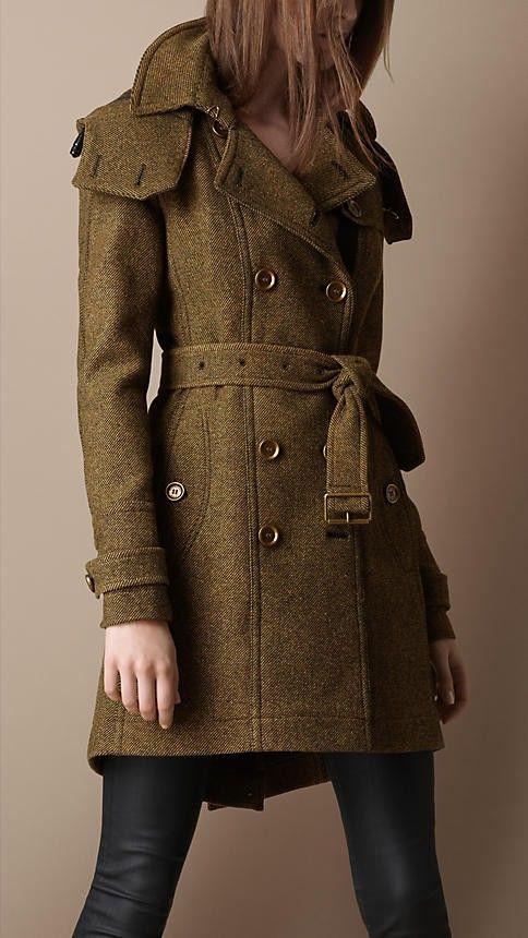 coatArmy Green, Peas Coats, Burberry Coats, Tweed Trench, Burberry Green Trench, Burberry Trench, Leather Pants, Burberry Tweed, Trench Coats