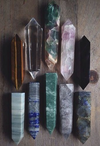 tiger eye, clear quartz, fluorite, pink fluorite, obsidian, green wood jasper, lapis, aventurine, rutilated quartz, and labradorite - polished crystal points