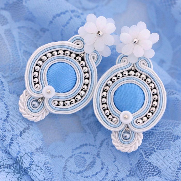 Soutache earrings Elsa | author: Zuzana Hampelova Valesova (Lillian Bann) | www.z-art-eshop.cz | http://www.facebook.com/pages/Z-ART/539656212733510