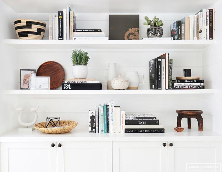 25 best ideas about shelf arrangement on pinterest wall - Decoracion de estanterias ...