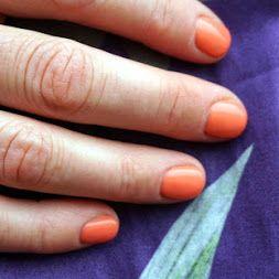 Profesionální manikúra gelovým lakem Orly Pixty Stix v letní jemně oranžové barvě.  http://www.sensualite.cz/mainform.aspx?rowfilter=true&search=PIXY+STIX&page=1  #orly #pixystix #gellak #manikúra #profesionální #weekend
