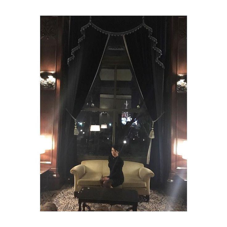 . . お金持ち 風 着てる服はヴァンベール爆 . #横浜#ヨコハマ#ホテルニューグランド#クラシックホテル##hotel . #古着屋mellow #vintagestore #古着 #vintage #mellowwomens #mellow楽天市場店#vintagestyle #mellow_coo