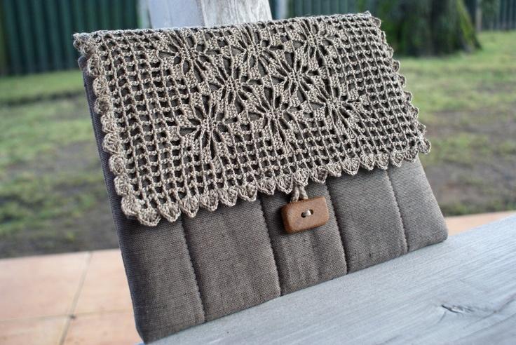 Handbag/ iPad 1 or 2 Sleeve Case Cover with flap/ padded/ linen. $45.00, via Etsy.