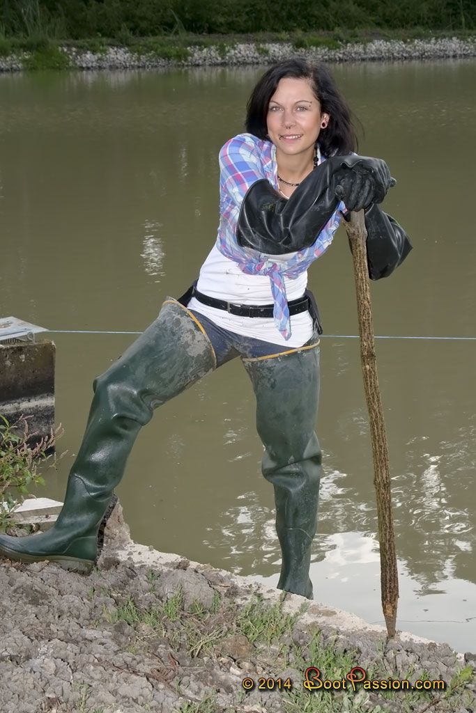 Pin by muddy monsters on rubber boots mud and water for Women s fishing waders