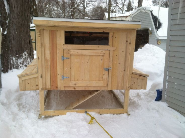 6x6 chicken coop from pallet wood my next home project for Wood pallet chicken coop