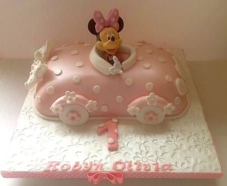 Minnie car birthday cake