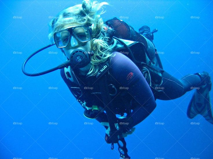 Hannah claydon topless scuba diving, hot skine black women in the nude photos