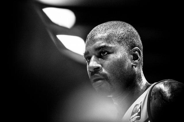 EWE Baskets Oldenburg - WALTER Tigers Tübingen. Ronnie Burrell