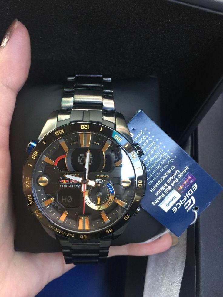นาฬิกาข้อมือ Casio Edifice Red Bull รุ่น ERA-201RBK-1A นาฬิกาข้อมือสำหรับผู้ชาย แข็งแรงทนทาน เป็นรุ่นลิมิเต็ดเอดิชัน มีโลโก้ Infiniti Red Bull Racing บนหน้าปัด และเครื่องหมายรับรองความเป็นพาร์ทเนอร์ของ CASIO ตรงด้านหลังของนาฬิกา แพ็คเกจดั้งเดิม มีการ์ดการันตี มีโลโก้ EDIFICE ที่หัวเม็ดมะยม ด้านหลัง และตัวล็อค ทนทานต่อแรงสั่น ดีไซน์สวยหรู