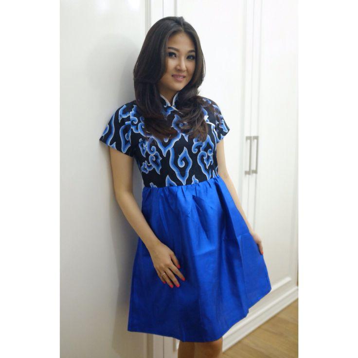 Sarwendah is wearing our mega mendung dress www.batikqueen.com WA 081514700777 Line batikqueen