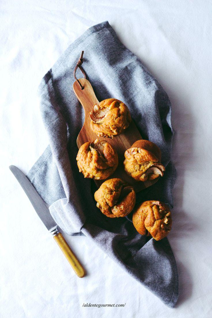 Banana Pear & Walnut Muffins! Super Easy Recipe!