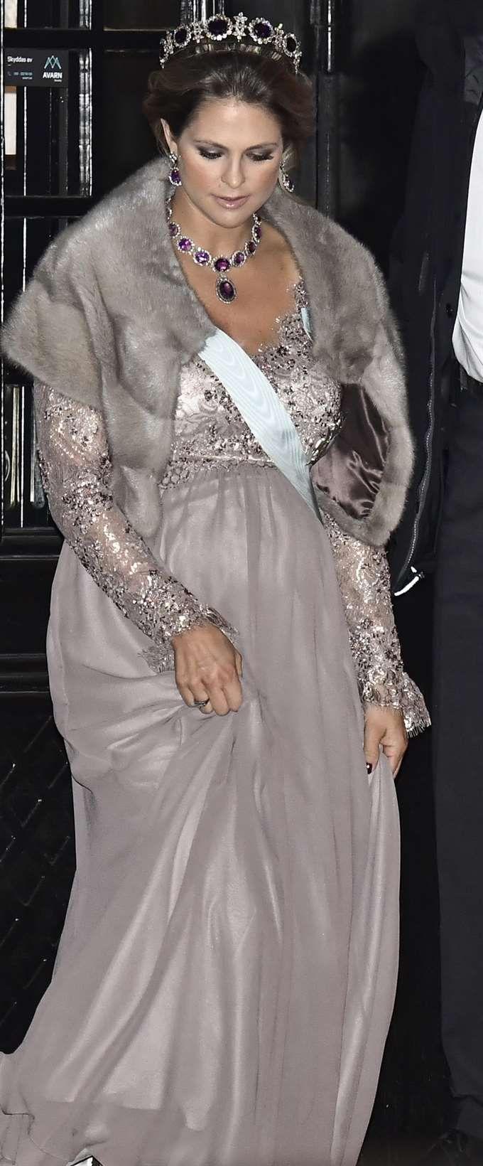 Prinsesse Madeleine med ametystsmykkene