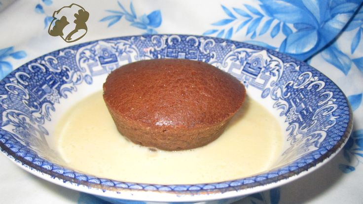 Chocolate pudding with custard