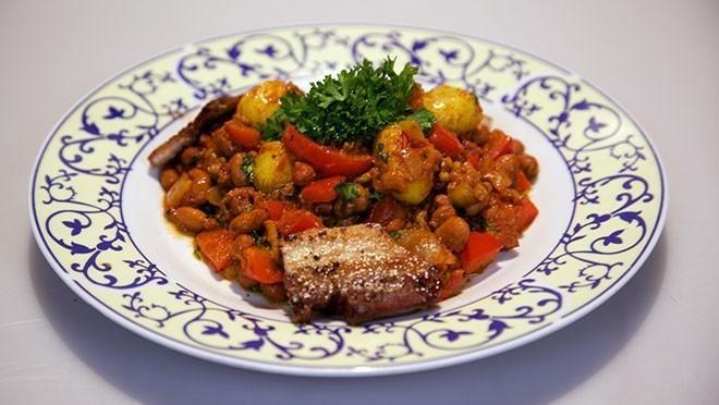 Voor spek en bonen (milde chili con carne met een speklapje) - recept | 24Kitchen