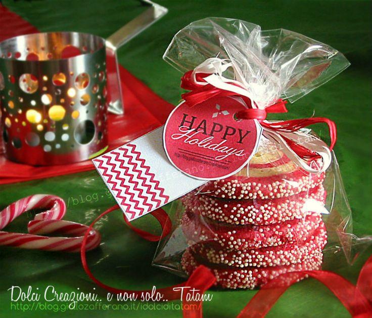 Girandole di Natale - colorati e golosi, questi biscotti bianchi e rosa/rossi saranno un perfetto dono da regalare, per augurare un dolce Natale a tutti ...