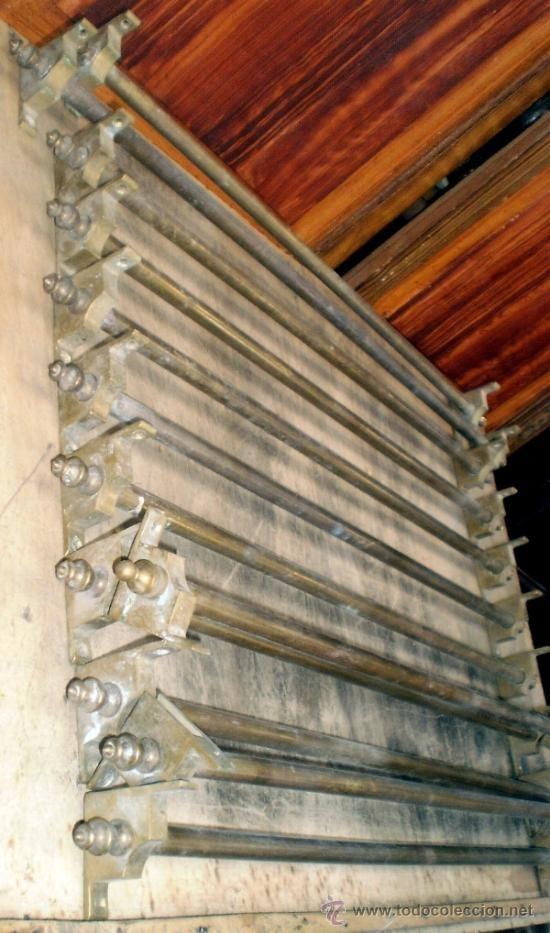 11 best images about sujeta alfombras escaleras on pinterest - Alfombra para escalera ...