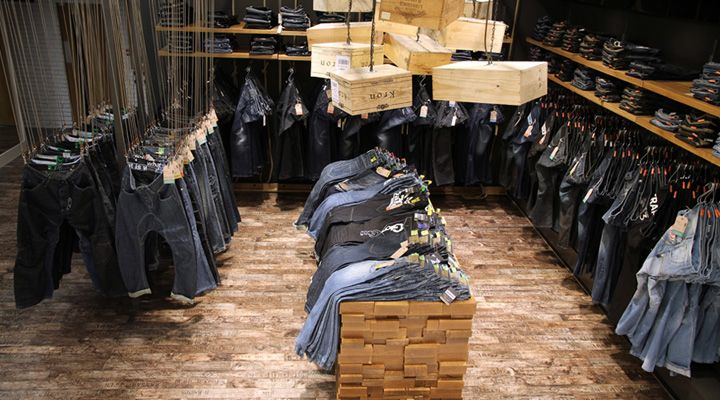 USC stores by Four by Two store design