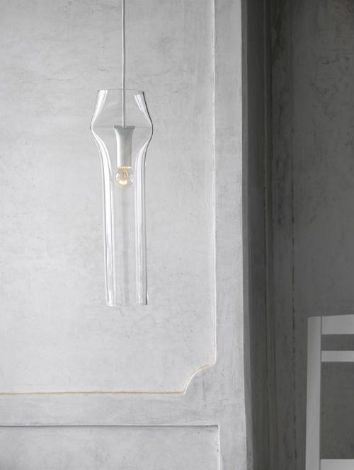 Pendulum light made of glas (Nendo) / Interior * Minimalism by LEUCHTEND GRAU +++ Full Story: http://www.leuchtend-grau.de/2014/10/lampe-von-nendo.html