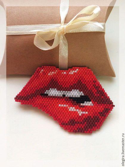 """Купить Брошь """" Алые Губки """" - ярко-красный, красные губы, губы, поцелуй"""
