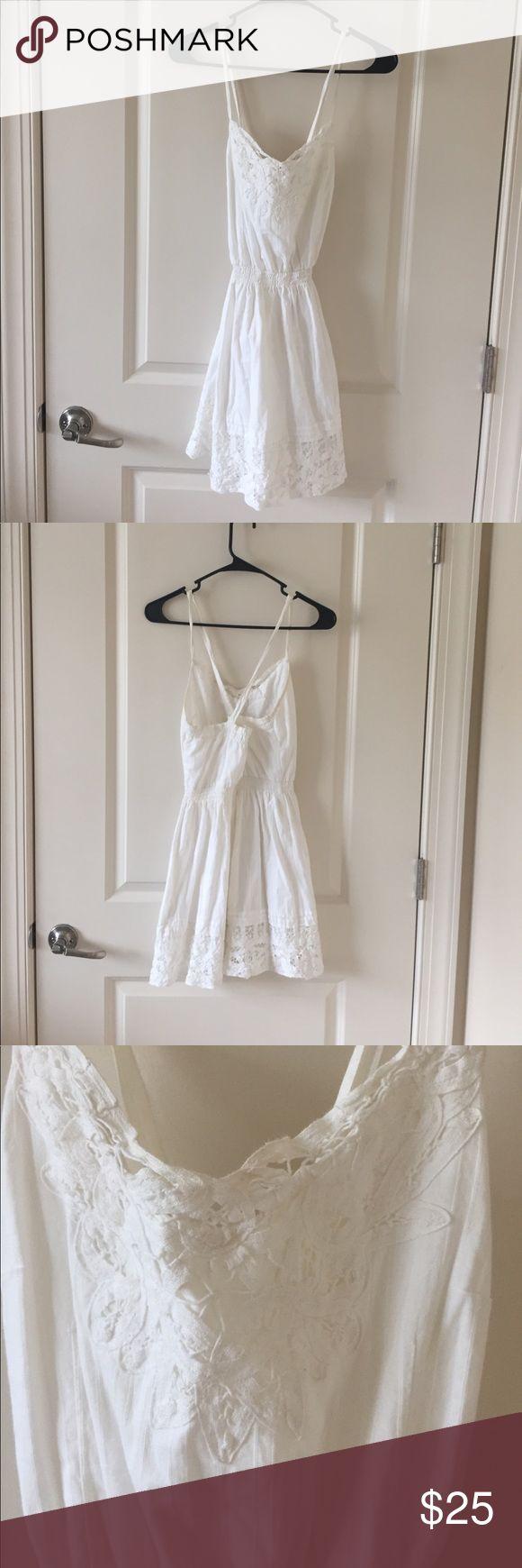 White Crotchet Hollister dress White crotchet Hollister dress, women's size small, normal use, good condition slight discoloring on straps. Hollister Dresses Mini
