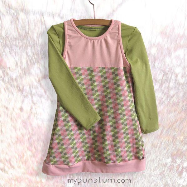 Brauchen eure Mädels beim Spielen auch immer und überall Taschen zum Verstauen ihrer Schätze? Genau für diese Momente haben all unser Kleider & Röcke, wie auch unser Kleid AENNA große Innentaschen... www.mypunctum.com