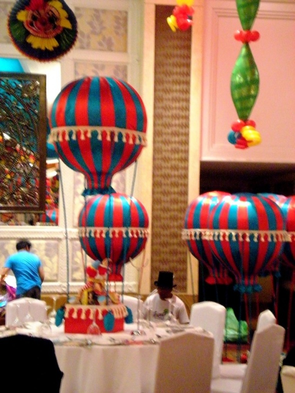 51 best images about Under the Big Top Table Ideas on ...