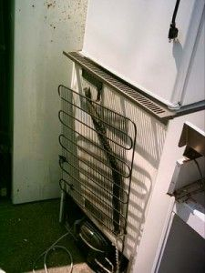 How to Make a $5 Solar Powered Water Heater From Junk Fridge - The Green Optimistic