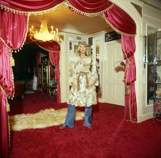 The Original Linda Thompson At Graceland In 1974 The