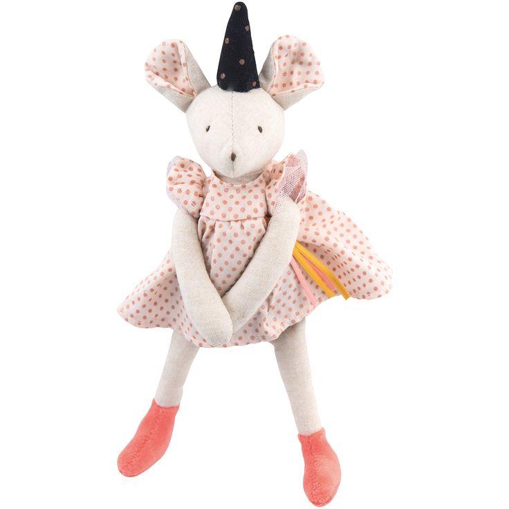 La poupée souple petite souris Mimi Il était une fois de la marque Moulin Roty est une poupée élégante et divertissante parfaite pour des enfants à l'imagination débordante. Ils pourront s'amuser à créer des histoires à l'infini sans jamais s'ennuyer.